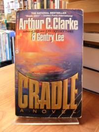 Clarke, Cradle – A Novel,