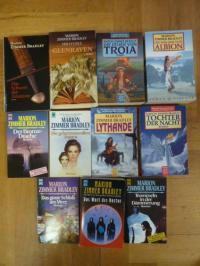 Konvolut: 11 Bücher von  Marion Zimmer Bradley,