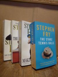 Fry, Konvolut von vier Stephen-Fry-Taschenbüchern in englicher Sprache: The Star